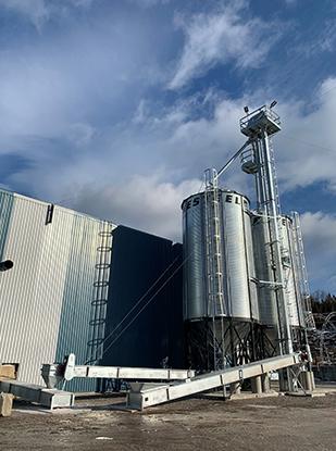 Saint Pacome Quebec démantèlement élévateur silo convoyeur