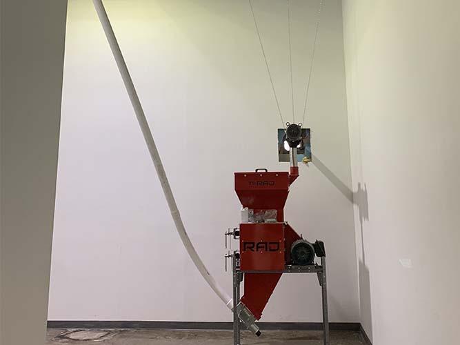 Installation silos coniques, de rouleuses de vis flexibles